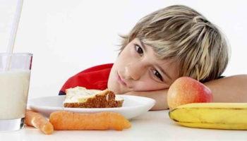 Чем кормить школьника, чтобы он стал отличником — 10 правил