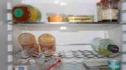 Как избавиться от неприятного запаха в холодильнике: 5 способов