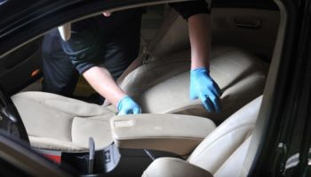 Отличное средство для чистки мебели и пятен в салоне автомобиля, а также очистки домашней мебели