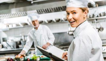 9 способов спасения блюда, если вы пересолили