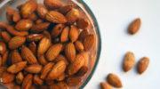 Почему так важно замачивать орехи перед употреблением?