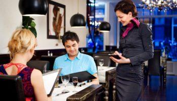 Нормы этикета: 6 распространенных ошибок в ресторане