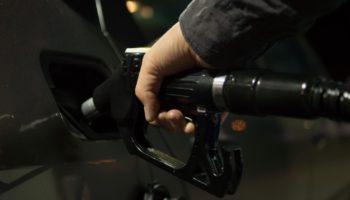 Недолив бензина на заправке: как выявить и что делать