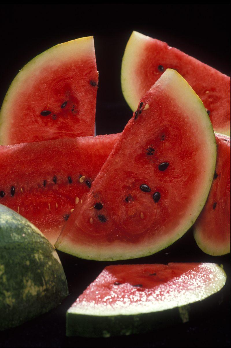 Полезные свойства арбуза или 5 причин съесть как можно больше арбузов