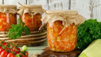 Салат «Лето» из кабачков и томатного сока